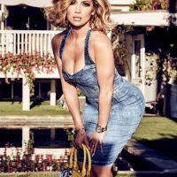 Jennifer Lopez, star de la campagne Versace printemps 2020 - Elle
